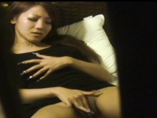 Spied on asian ho rubbing
