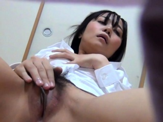 Japanese babe rubbing