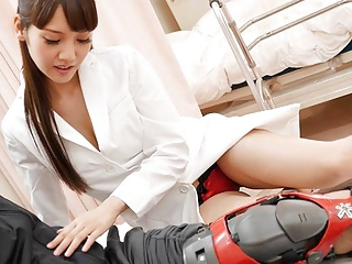 Japanese nurse Rei Mizuna fucks a patient, uncensored